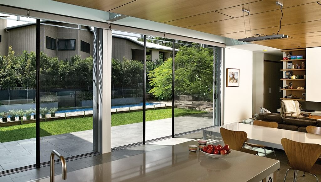 Regency-Windows_Centor-Retractable-Screens_Stand-alone-residential-screen