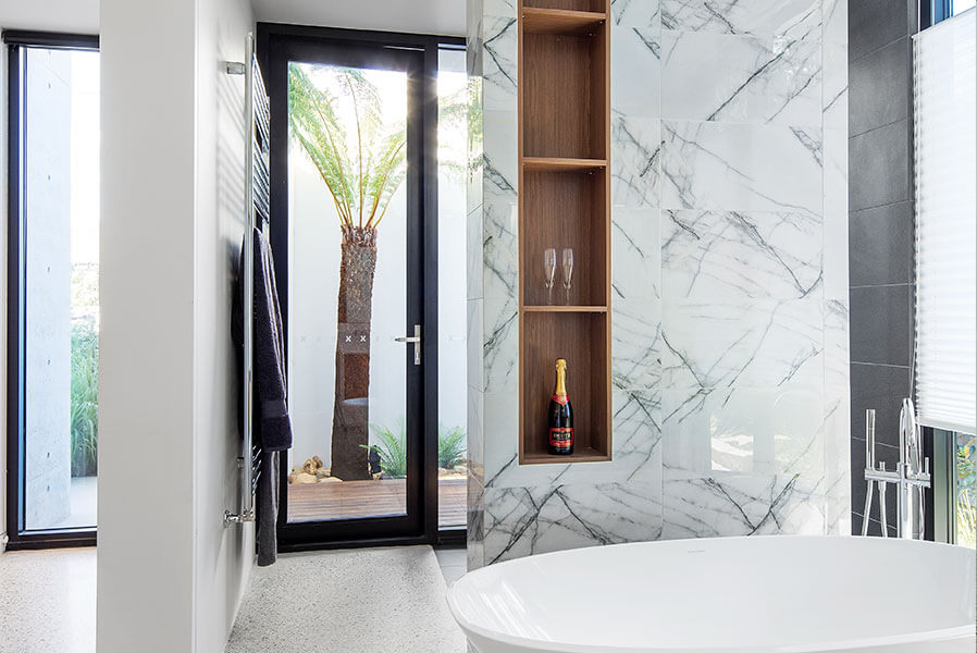Hinged Doors - Modern Bathroom